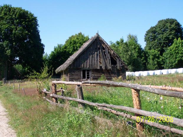 Dom w Wysokiej Zaborskiej #chata #dom #domek #ruina #strzecha #wieś