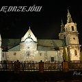 Jędrzejów. Klasztor Cystersów w nocnej iluminacji. #Jędrzejów #Klasztor #Cystersi #Noc #Światło #Iluminacja