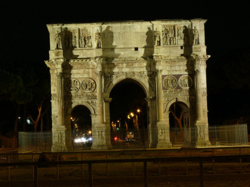 Łuk Konstantyna obok Koloseum #Rzym
