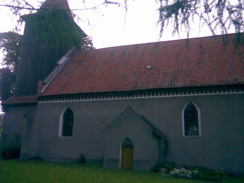 Bażyny k. Ornety - kościół parafialny