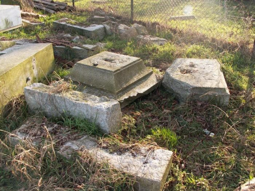 Pomniki poświęcone ofiarom I wojny światowej 4b4ec4a84a0fee41med