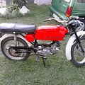Moja Jawa 1981 rok. Tylko 3900 Km przebiegu. Oryginalny lakier, wszystkie elementy oryginalne profukcji czechosłowackiej. Zabytek jakich mało. #jawa #jawka #zabytek #czerwień #MałyPrzebieg #motocykl #motor #ideał #rarytas #oryginał