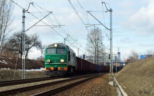 ST44-700 z węglem do EC Siekierki. #ST44 #gagarin #diesel #lokomotywa #spalinowa #pkp #cargo #brutto