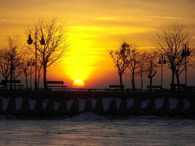 O wschodzie. #zima #lód #mróz #jezioro #Mazury