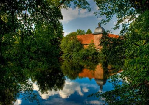 moje okolice - Zamek Pröbsting obecnie znajduje sie tam klinika leczaca stres #evasaltarski #zamek
