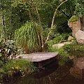 Realizacja ogrodu - Skalniak nad oczkiem ... www.ogrody.skalne.com.pl #altany #budowa #głazy #kamień #kaskady #oczka #ogród #oranżeria #projekty #skalny #sztuczne #skały #strumień #skalniak #ZakładanieZieleni #wiklina